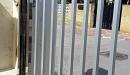 puerta acero inox barrotes aluminio motorizada 2