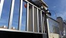 puerta acero inox barrotes aluminio motorizada 5